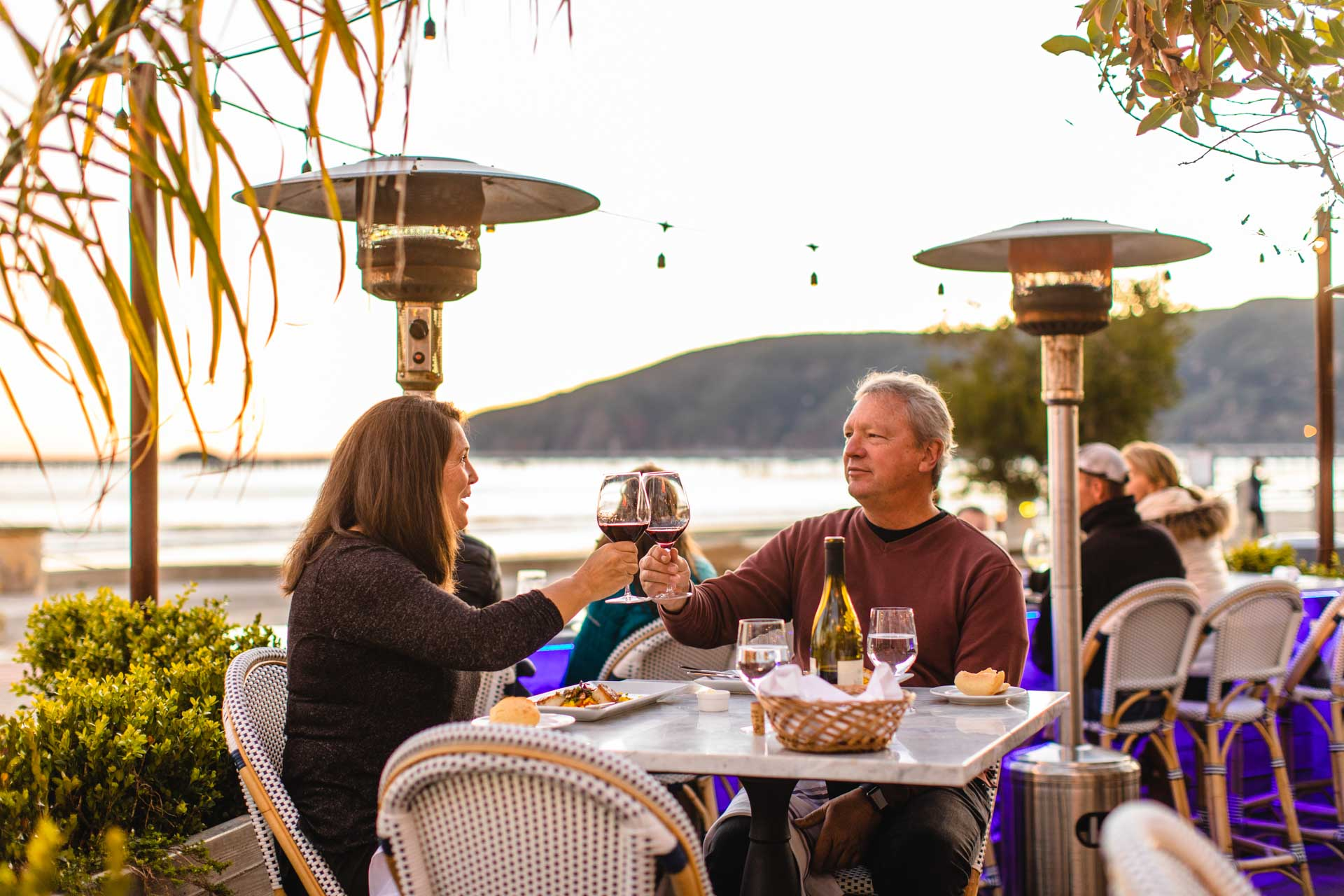 Couple dining, Avila Beach